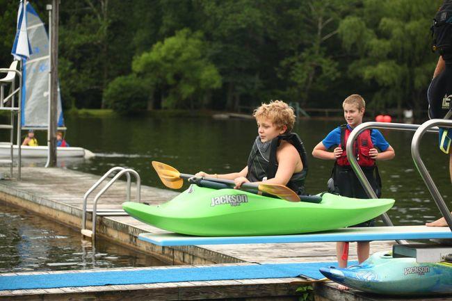 kayak-7CKLyf.jpg